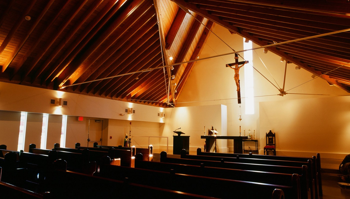 03_Interior 2-Waukegan-Church