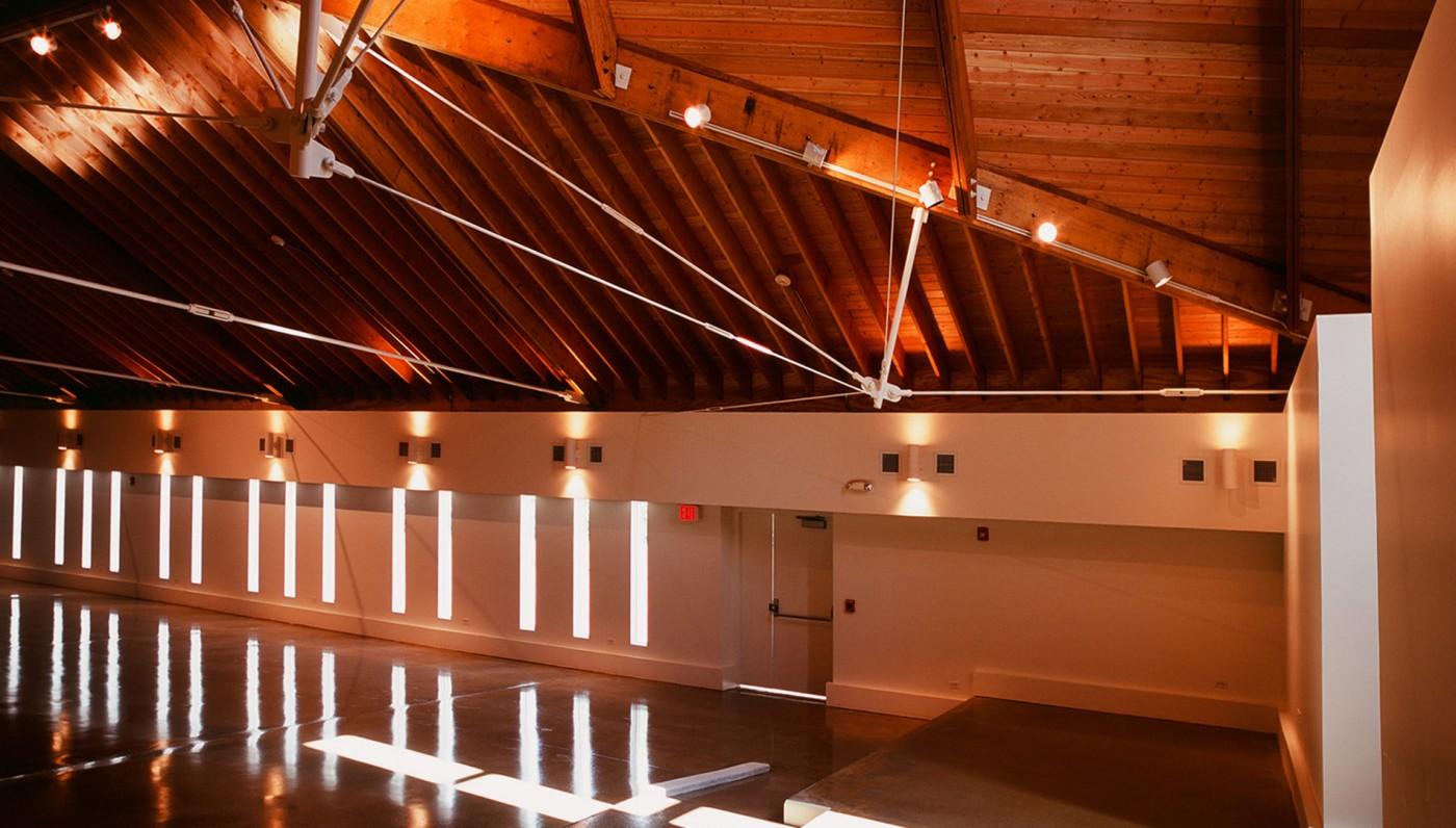 03_Interior-Waukegan-Church