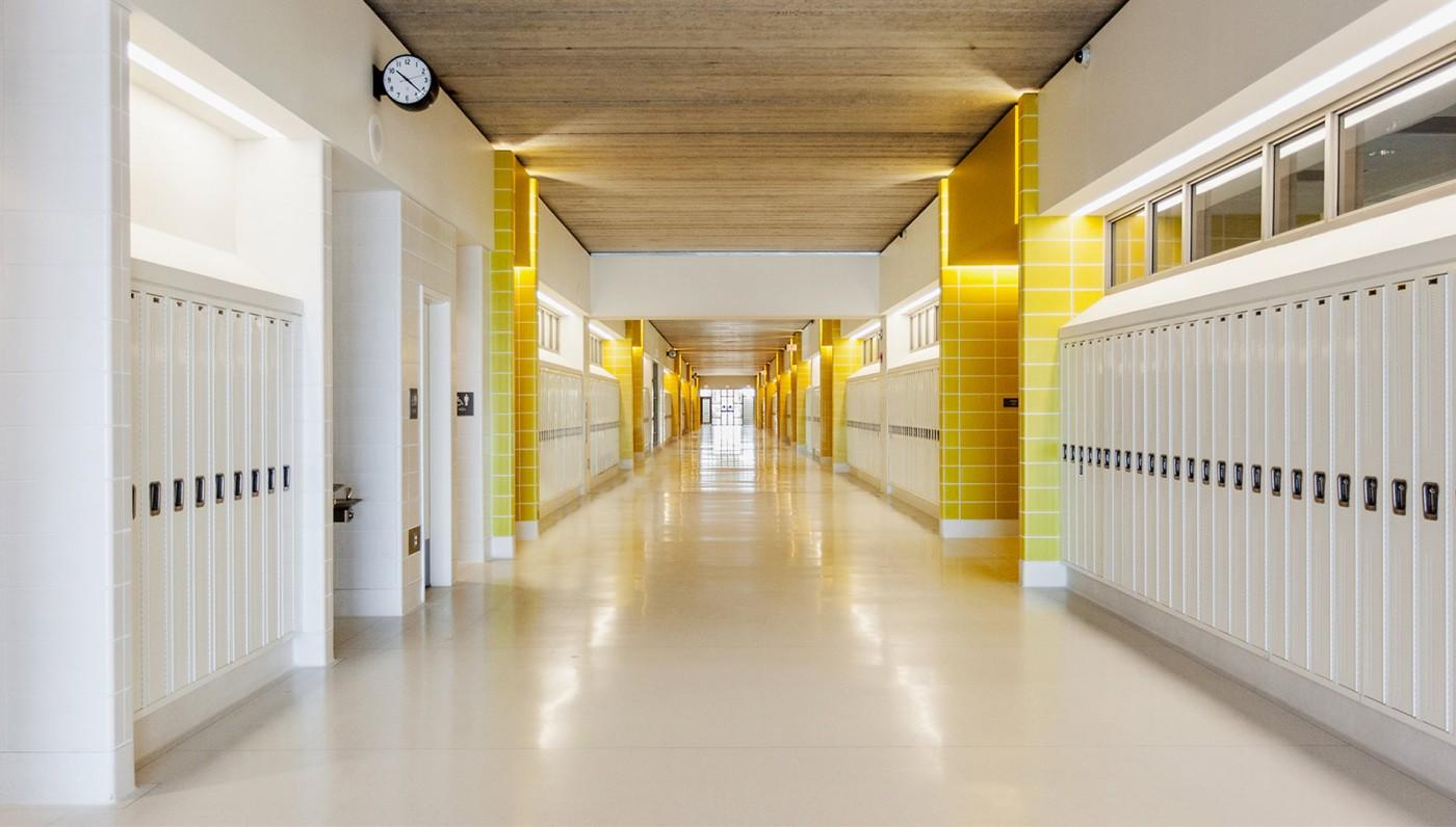 03_Yellow-Corridor